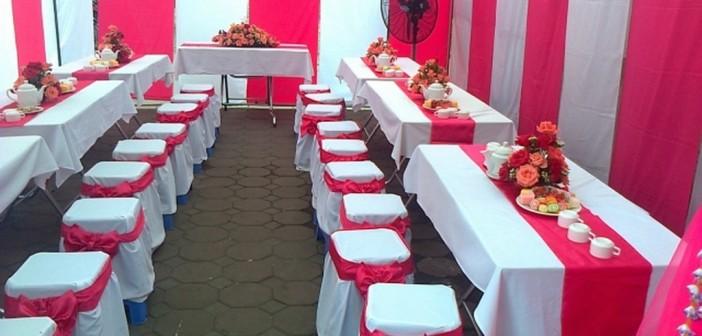 bàn ghế nhựa đám cưới, ban ghe nhua dam cuoi, ban ghe nhua no vay, bàn ghế nhựa nơ váy